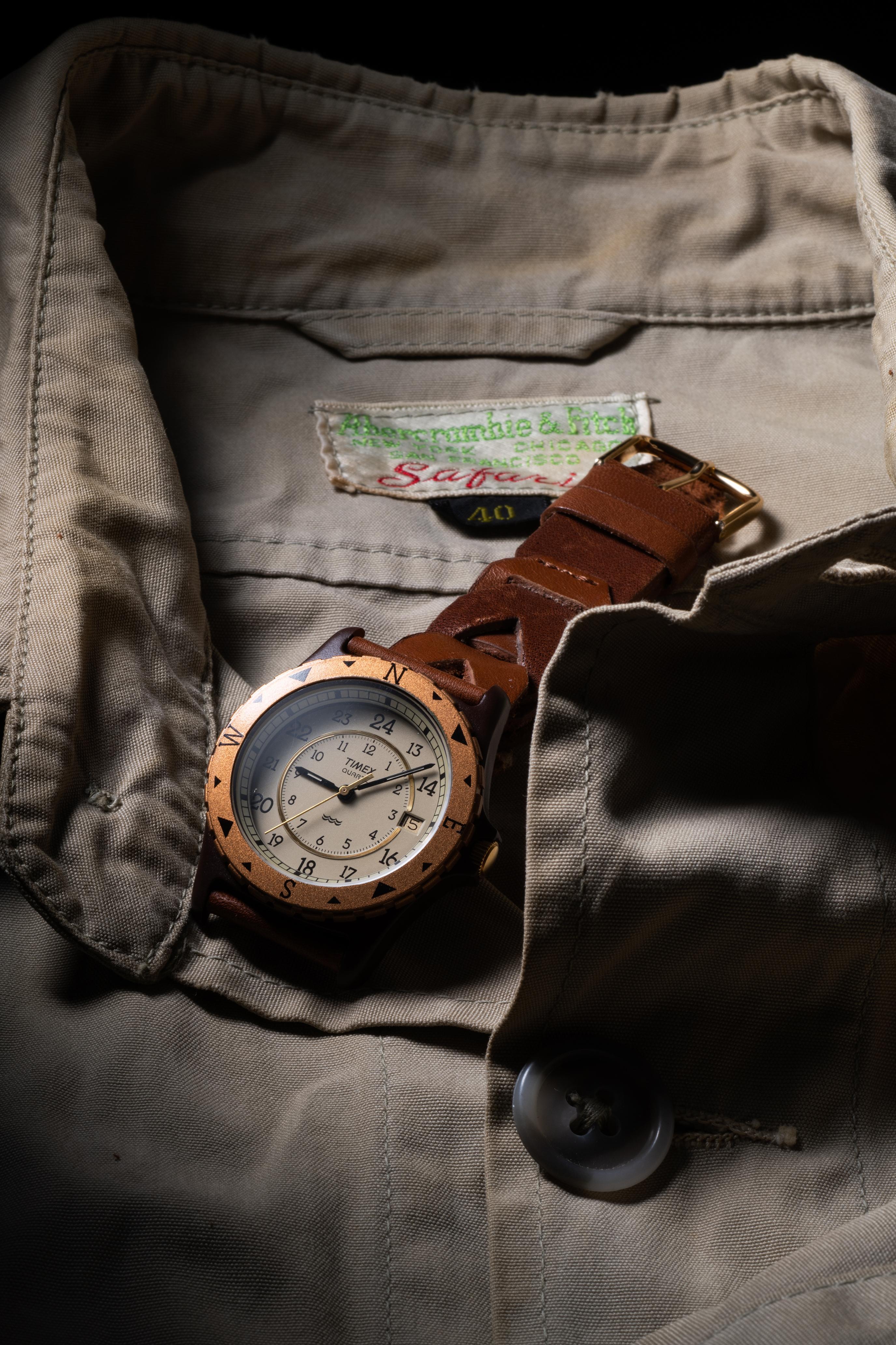 タイメックス・クロニクル - タイメックスと時が紡いだアメリカ物語  / トム・クルーズの着用で火がついた 1990年代の名機「サファリ」